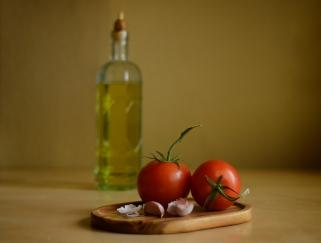 Tomatoes and Garlic 5976