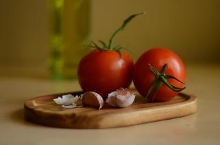 Tomatoes and Garlic 5977
