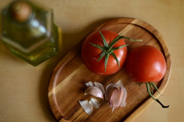 Tomatoes and Garlic 5997